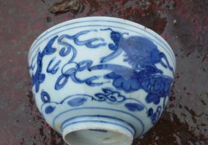 青花�:a�9���i�y�_其中青花盘256件,碗169件,青花瓷罐96件,钵13件,瓶1件,盒4件,杯8件,碟