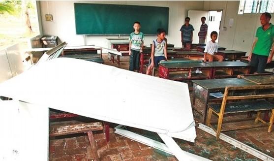 云南景洪大风吹倒教室泡沫墙 官方:将进行加固