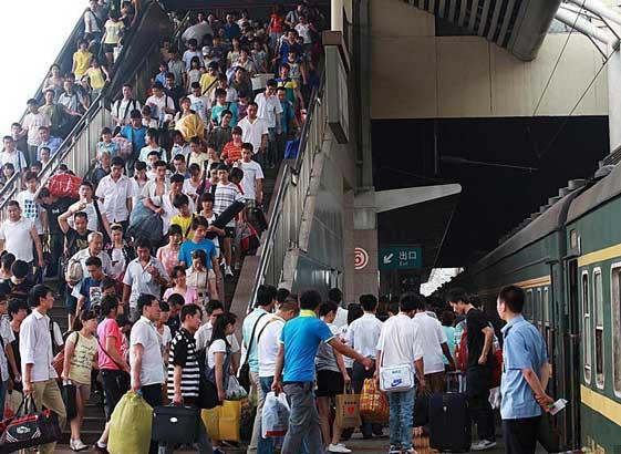2011年全国铁路暑运启幕共计62天