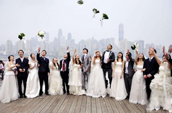 重庆46对农民工青年举行集体婚礼