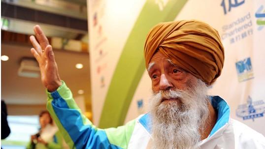 百岁老人参加香港马拉松赛事