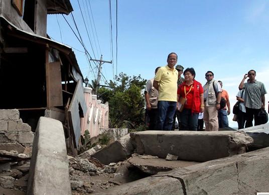 菲律宾6.9级强震已致52人死亡