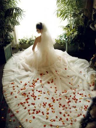 白色婚纱的起源