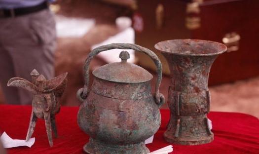 陕西西周贵族墓铜卣存神秘液体 或为最早中国酒