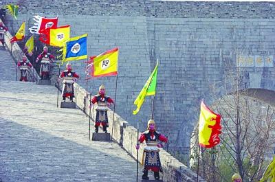 南京中华门城堡两侧人偶军士拆除 网友赞成
