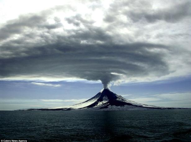 阿拉斯加火山爆发