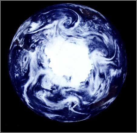 �悦剑耗霞�冰川融化或改变地球自转速度