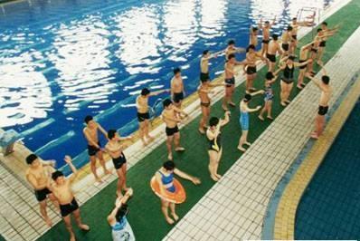 杭州正式将游泳列入中考体育考试项目